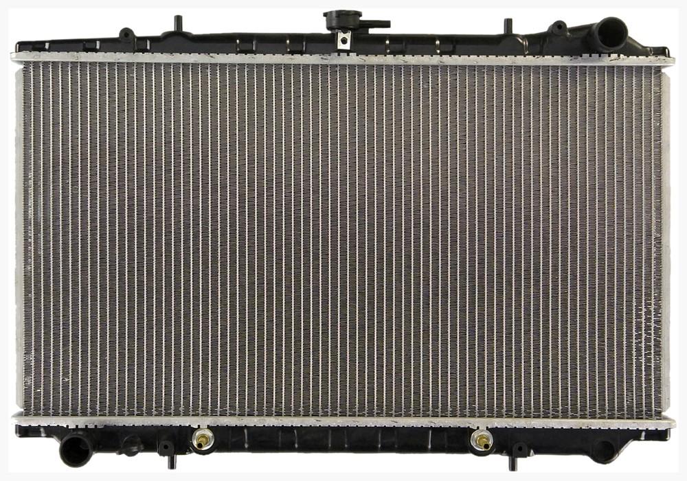 Imagen de Radiador para Nissan Stanza 1990 Marca APDI Número de Parte 8010140