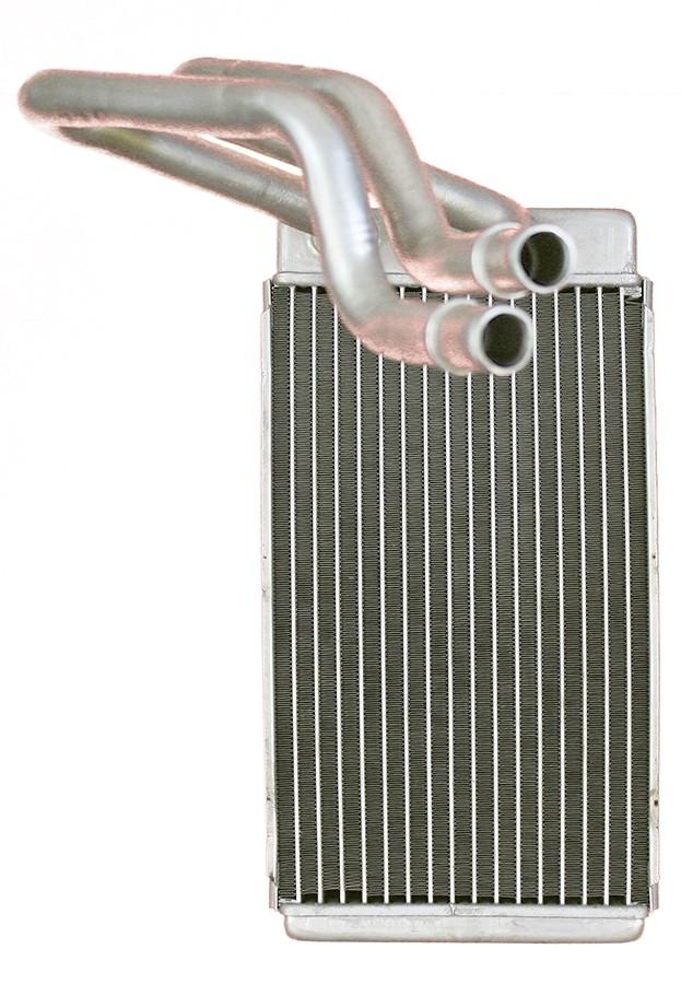 Imagen de Radiador del calentador para Nissan Titan 2004 Marca APDI Número de Parte 9010642