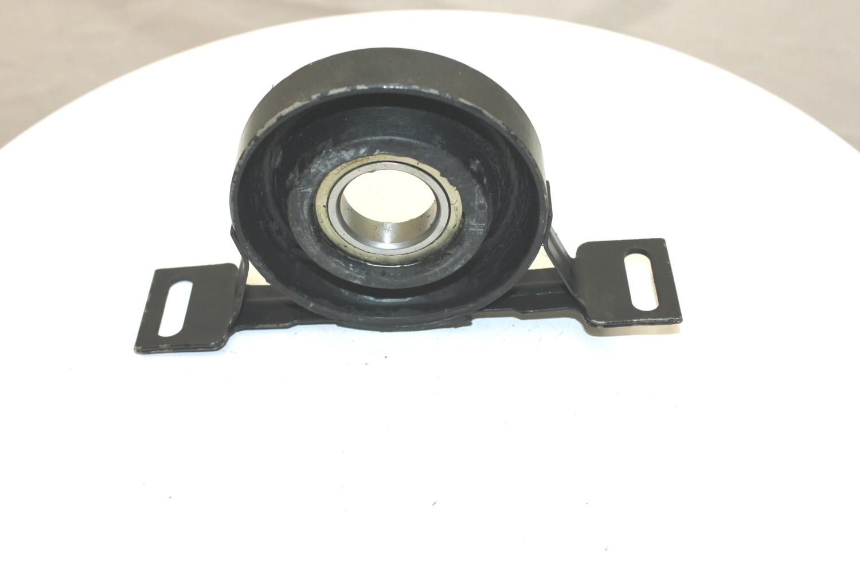 Imagen de Soporte Central de Eje Propulsor para BMW 525i 2004 Marca DEA PRODUCTS Número de Parte A60008
