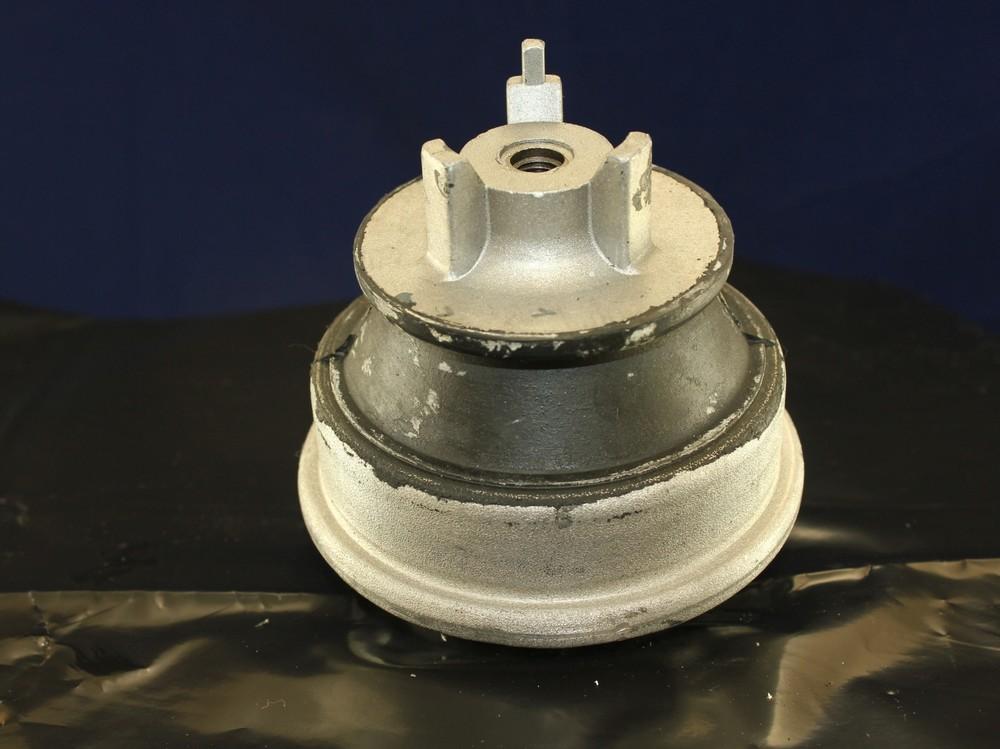Imagen de Montura del motor para Mercedes-Benz E420 1997 Marca DEA PRODUCTS Número de Parte A7064