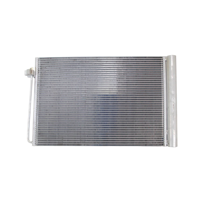 Imagen de Condensador de Aire Acondicionado para BMW 530xi 2007 Marca DENSO Número de Parte 477-0819