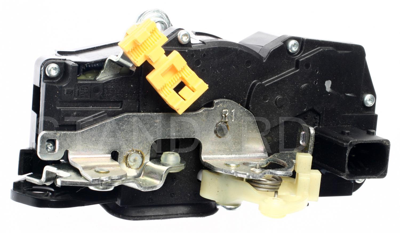 Imagen de Motor Actuador de Seguro Eléctrico de la puerta para Cadillac CTS 2003 2004 Marca STANDARD MOTOR Número de Parte DLA-685