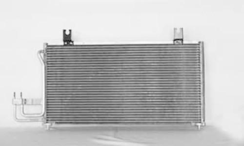 Imagen de Condensador de Aire Acondicionado para Kia Sephia 1998 1999 2000 2001 Marca TYC Número de Parte #4901